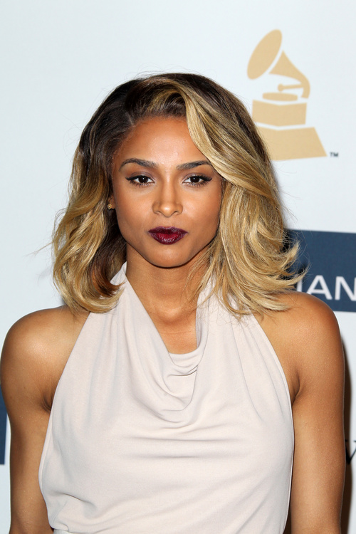 bronde hair medium hairstyle