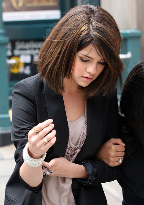 Pleasant Selena Gomez Hairstyles 20 Best Hair Ideas For Thick Hair Short Hairstyles Gunalazisus