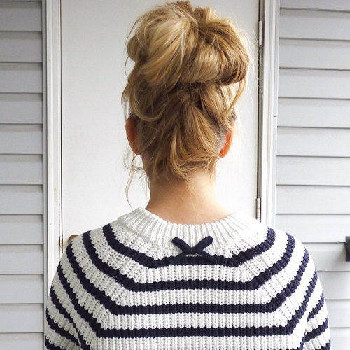 high messy blonde bun