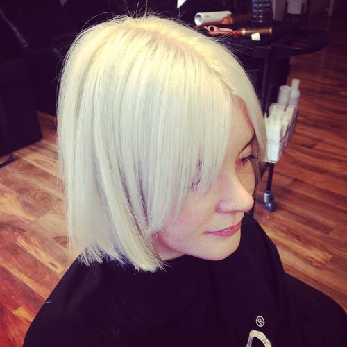 blonde chopped bob with bangs