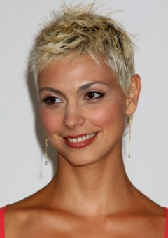 Strange Pixie Hairstyles And Haircuts In 2016 Therighthairstyles Short Hairstyles Gunalazisus
