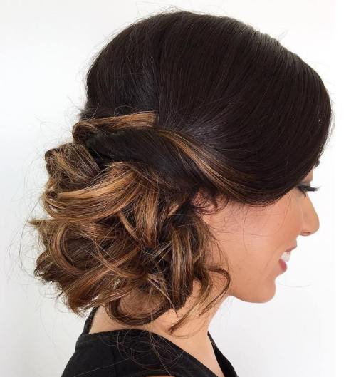 Loose Curly Side Bun