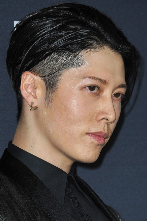 Asian men hairstyle with temple undercut