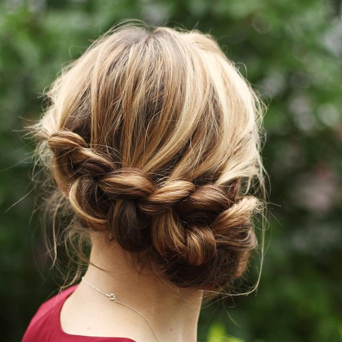 how to make a messy side bun with long hair