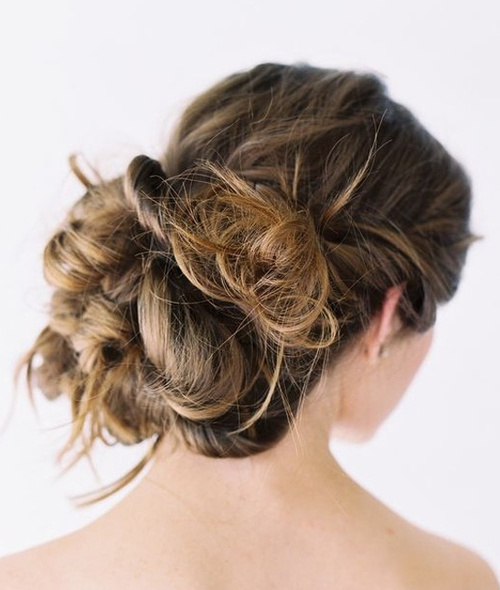 18 alluring loose updos for any event bulky messy bun loose updo urmus Choice Image
