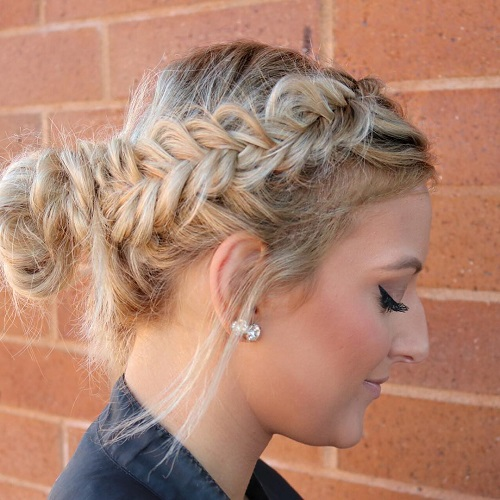 Casual Knot With A Side Fishtail