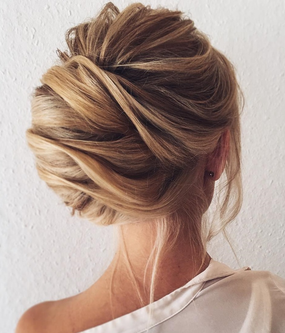 Fancy buns for long hair