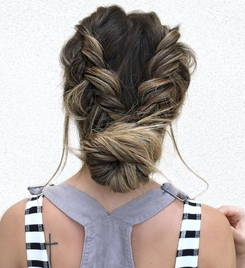 40 Updos for Long Hair – Easy and Cute Updos for 2018