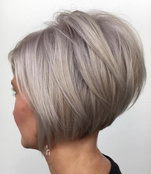 Rezultate imazhesh për blonde feathered bob with height on the crown