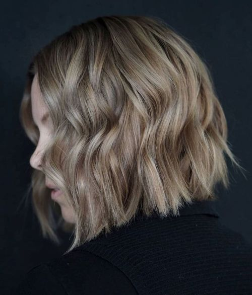 Choppy Wavy Bob With Midshaft Bents