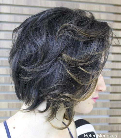 Wavy Layered Bob With Highlights