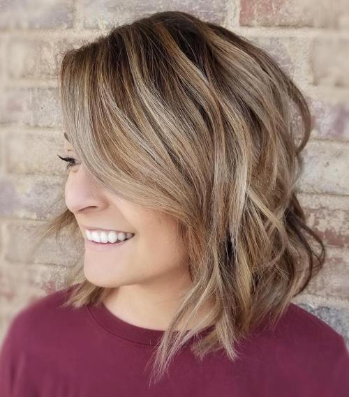 Inverted Wavy Messy Brown Blonde Bob