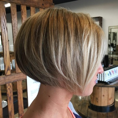 Short Rounded Layered Bob