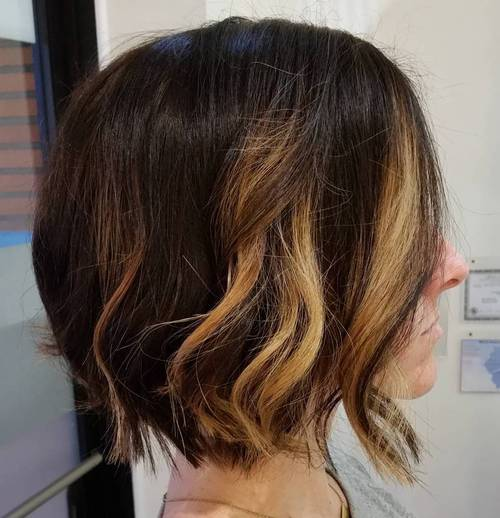 wavy medium length chopped bob
