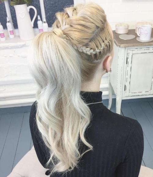 Wavy Ponytail With Braids
