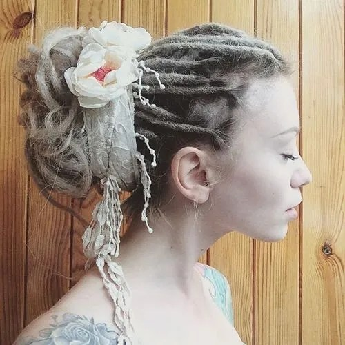 Superb 20 Daring And Creative Hairstyles With Dreadlocks For Women Hairstyles For Women Draintrainus