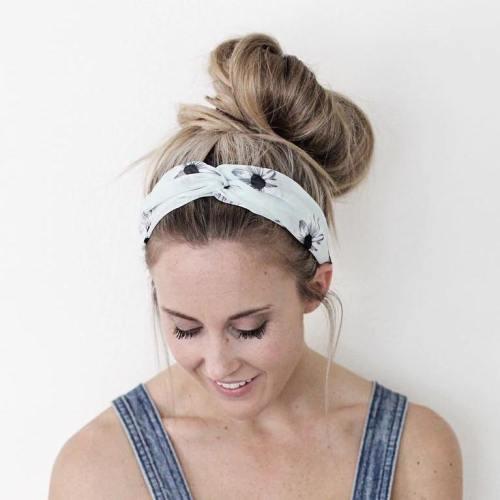 Best Celebrity Messy Bun Hairstyles - Essence  |Athletic Hair Buns