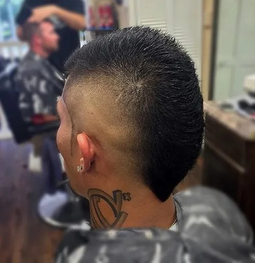 short mohawk with skin fade