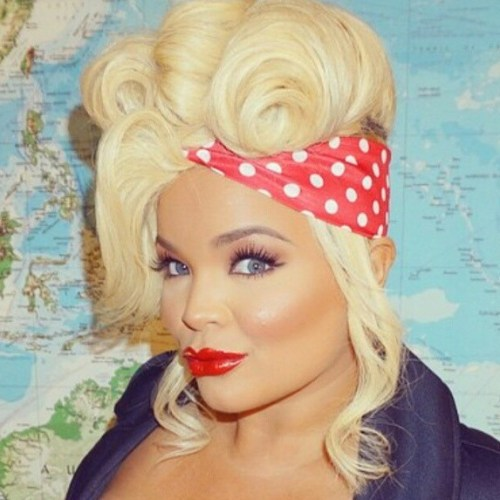 Blonde Pin Up Updo With Bandana