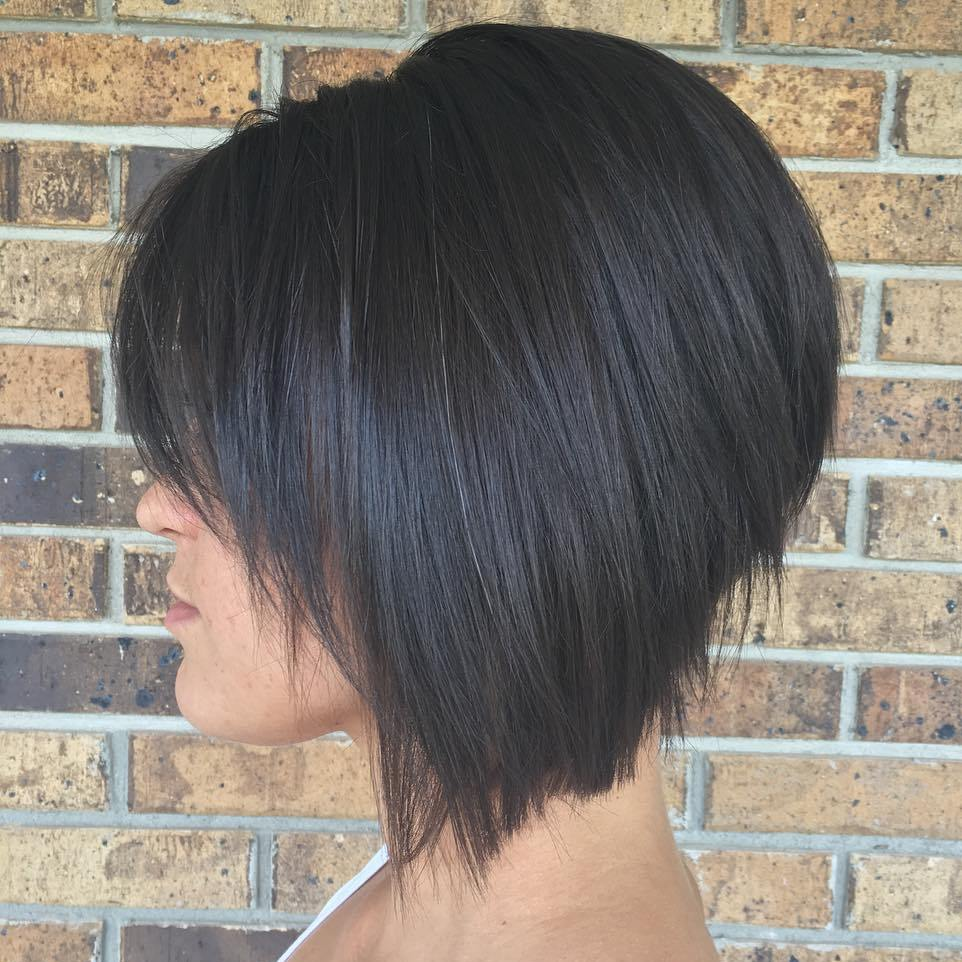 """28/"""" Curly Layered Cut with Teased Bump and Short Bangs Pitch Black Wig NEW"""