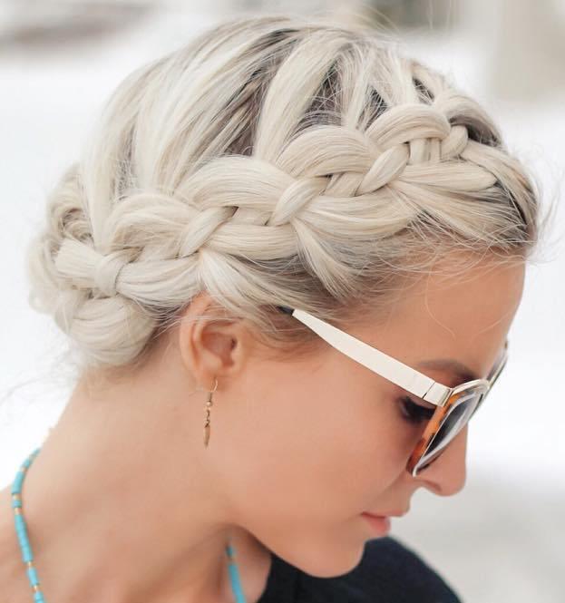 white blonde hair with darkened roots