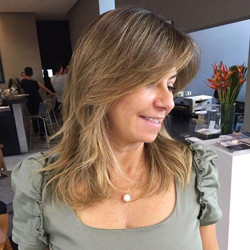 layered haircut for medium hair