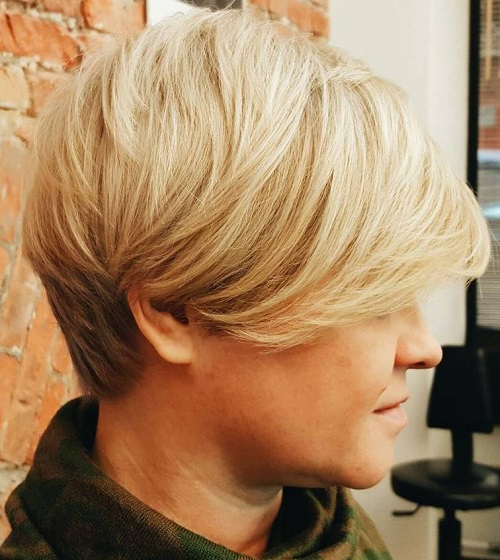 short blonde haircut with reverse ombre