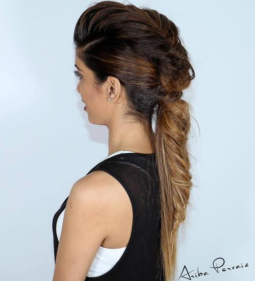 Boho hairstyles 20 coolest bohemian hair options mohawk messy ponytail urmus Image collections