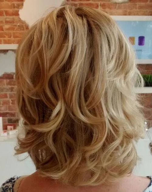Mid-Length Curly Hairstyle