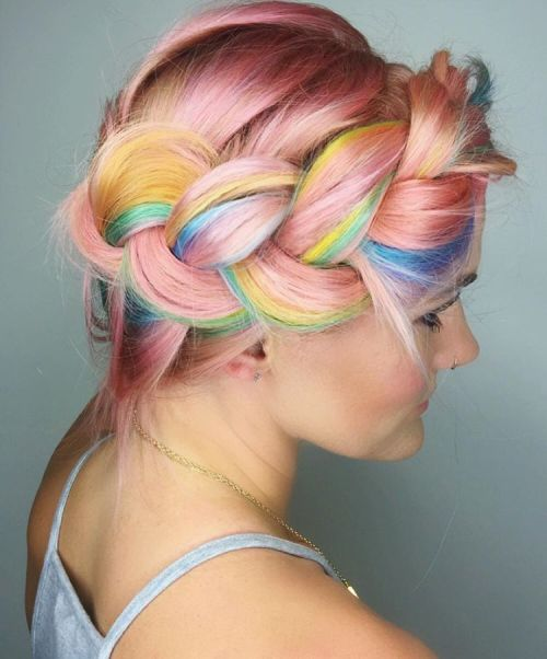 styles with cotton candy hair