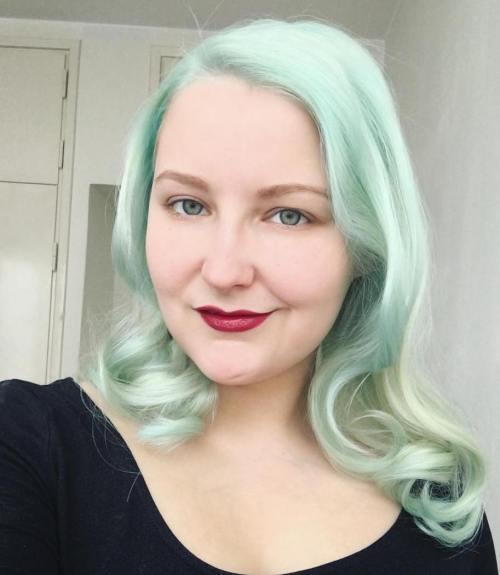 Light Pastel Green Hair