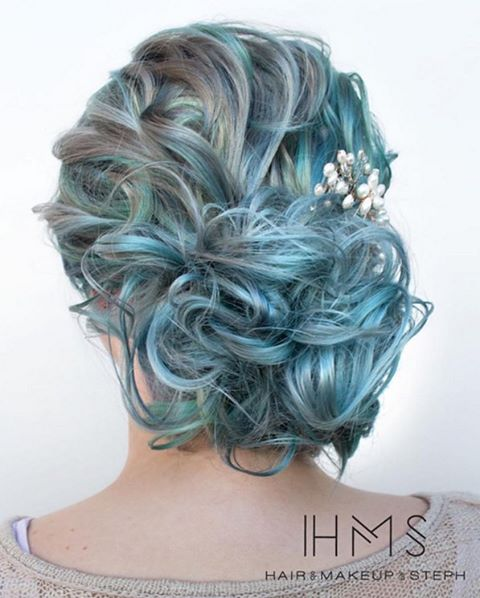 icy light blue hair color ideas