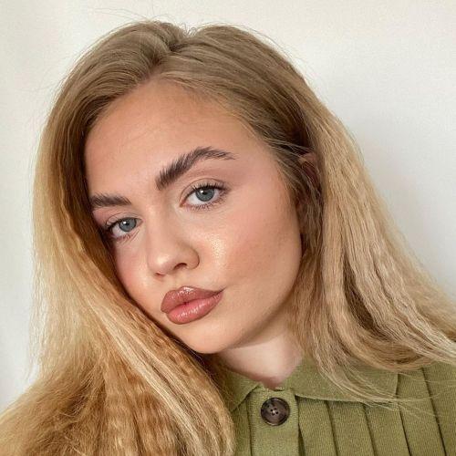 Blonde Crimped Hair