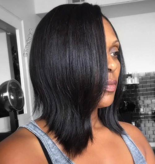 Black Layered Collarbone Bob