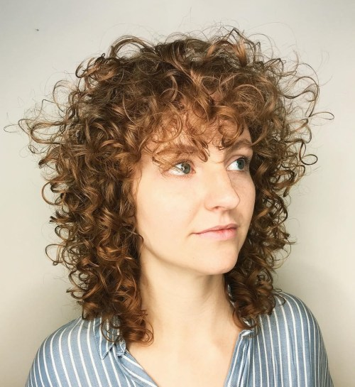 20 Chicest Hairstyles for Thin Curly Hair - The Right ...