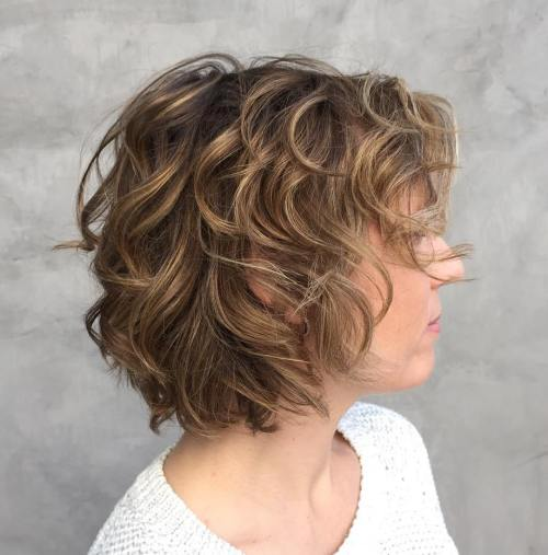 Honey Bronde Wavy Bob For Thin Hair