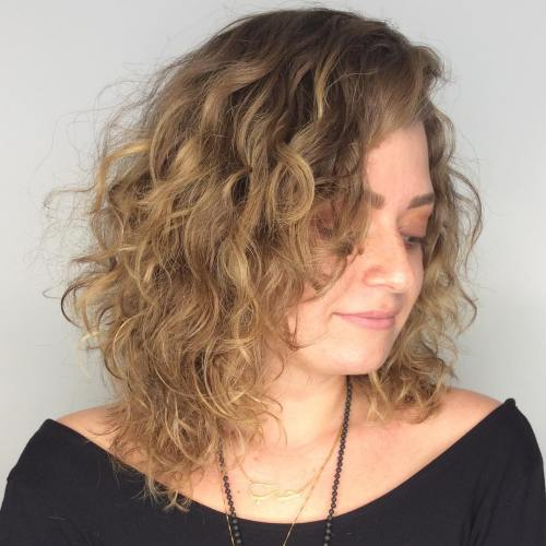 Medium Layered Hairstyle for Curly Hair