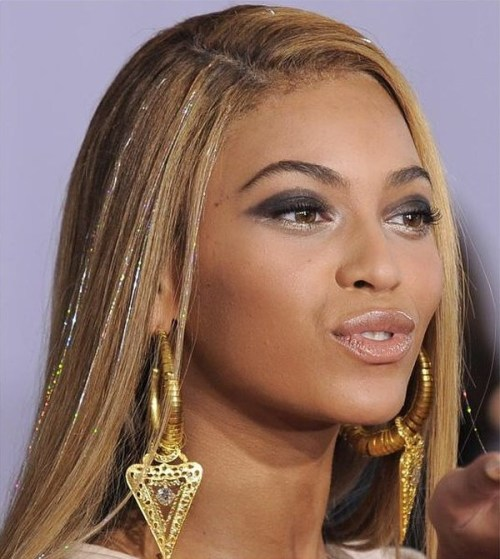 Beyonce And Glitter Extensions