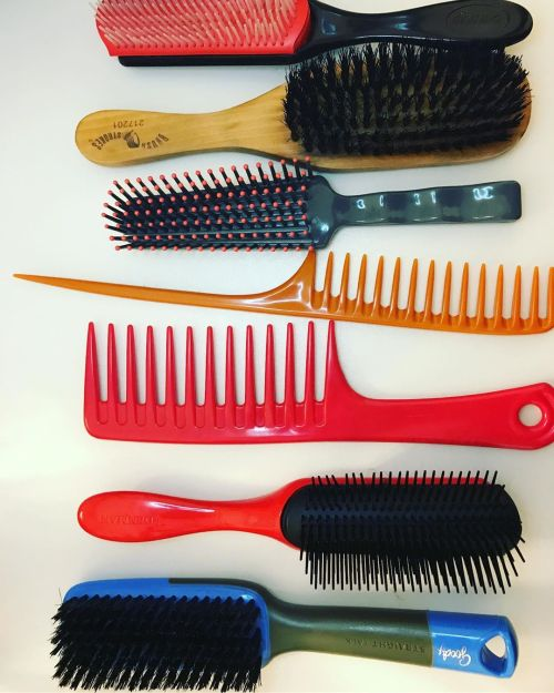 Types Of Brushes For Hair