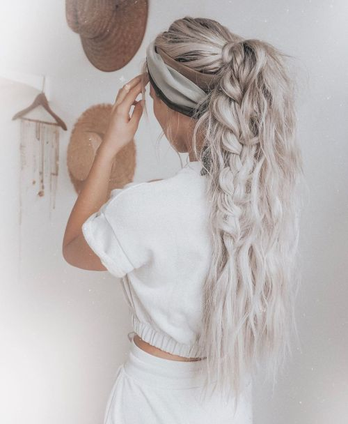 Fishtail Ponytail For Extra Long Tresses