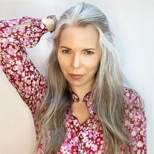 Blogger with Soft and Shiny White-Gray Hair