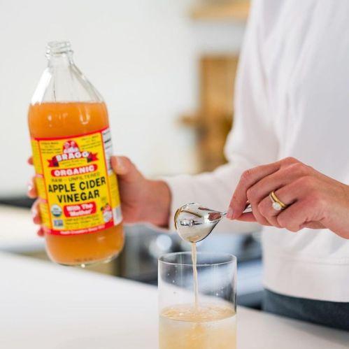 Ingredients to Prepare an Apple Cider Vinegar Hair Rinse