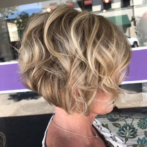 Over 40 Wavy Bob With Highlights
