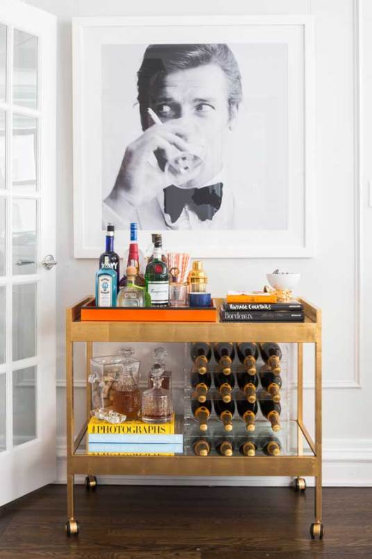 Upper-East-Side-Classic-6-Interior-Design-wine-cart-and-retro-photo