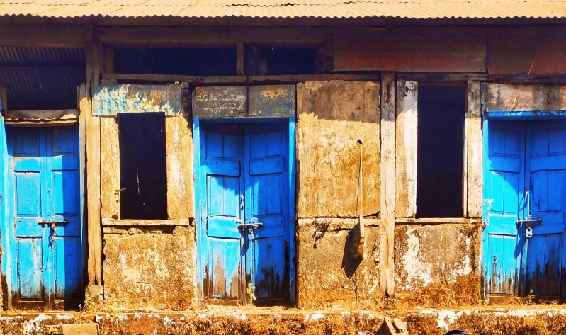 Doors: Hello & Goodbye: A photograph from matheran: end of the year