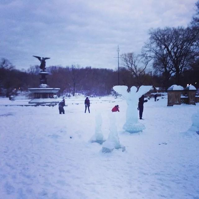 Snowball fight!//Photo Credit: Chris Lopez