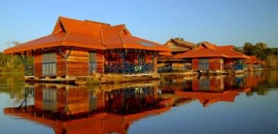mamiraua-amazon-brazil-floating-bed and breakfast-Uakari-Lodge-6-564x272