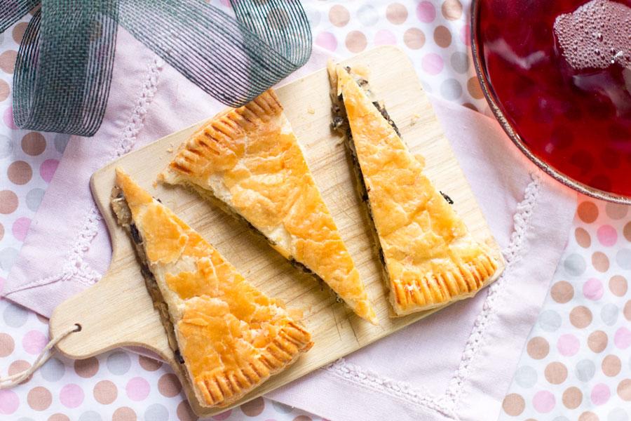 tarta-de-cebolla-caramelizada-champiñones-y-queso