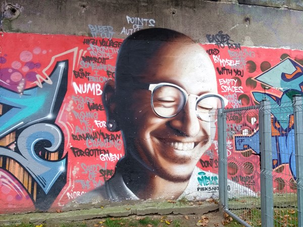 Portrait Chester Bennington, Graffiti in Krakau