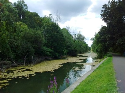 erie_canal_straight